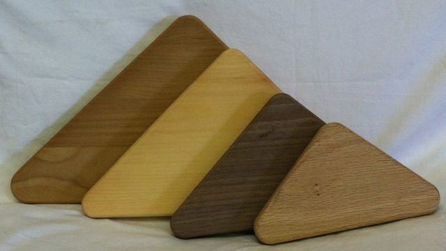 Triangle Grooved Base Pine