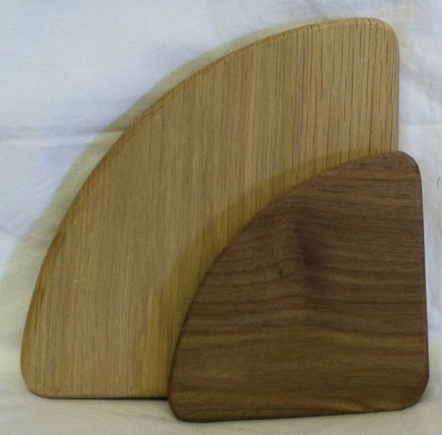 Triangle Grooved Round Corners Base Pine