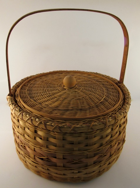 Round Picnic Basket with Lid
